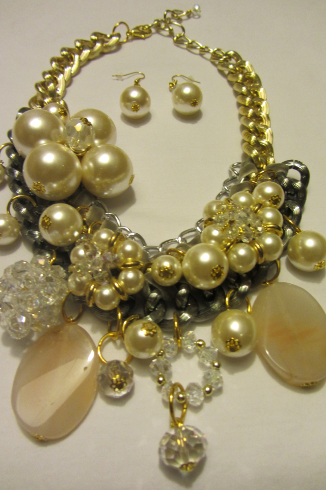 The Goddess Necklace Gold