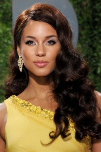 Celebrity Styles for Long Hair Weaves: Alicia Keys Wears Glamorous Spiral Curls