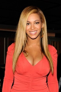 Celebrity Styles for Long Hair Weaves: Beyonce Sports a Do Created with a Flat-Iron