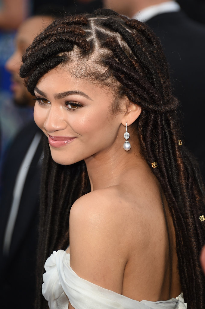 Zendaya Shows Off Her Hair Weave Dreads at Oscars 2015